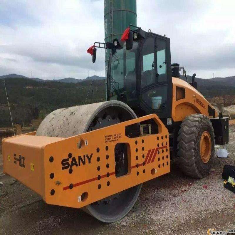 泓途易胜博注册全新36吨单钢轮压路机助力十四局项目